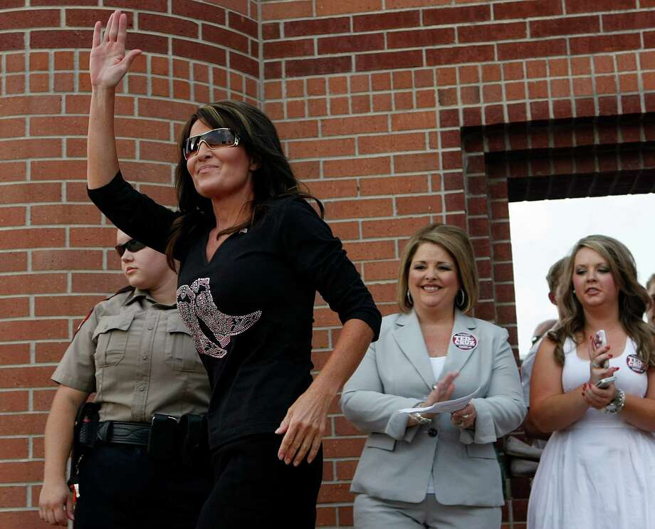 """No love from HeartHeart showed no love to Sarah Palin when she used the song """"Barracuda.""""  Photo: Johnny Hanson, Houston Chronicle / © 2012  Houston Chronicle"""