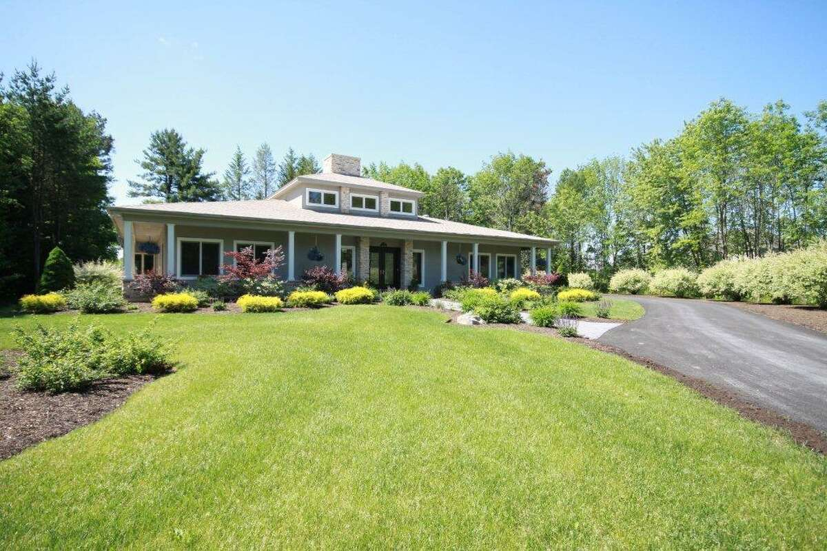 House of the Week: 7 Legends Way, Clifton Park | Realtor: Scott Varley at RealtyUSA.com | Discuss: Talk about this house