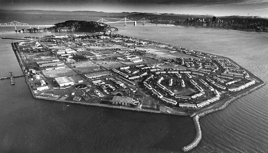 Aerial view of Treasure Island.  August 27, 1986. Photo: Deanne Fitzmaurice, San Francisco Chronicle