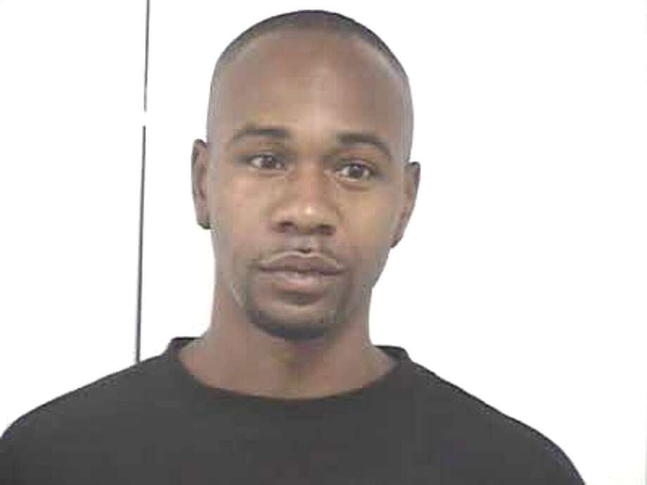 Hardin County's Most Wanted, August 17, 2012: Darnell Demarcus Warren, B/M, 30 years of Age, Last Known Address: 1005 W. Ave P, Silsbee, Texas. Wanted for Manufacture Delivery of a Controlled Substance - Felony Photo: Hardin County Sheriffs Office