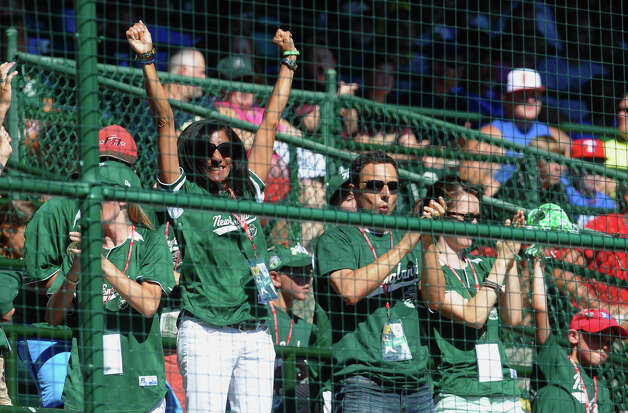 New England fans cheer as the team scores, during 2012 Little League World Series game action against Midwest in South Williamsport, Penn. on Saturday August 18, 2012. Photo: Christian Abraham / Connecticut Post