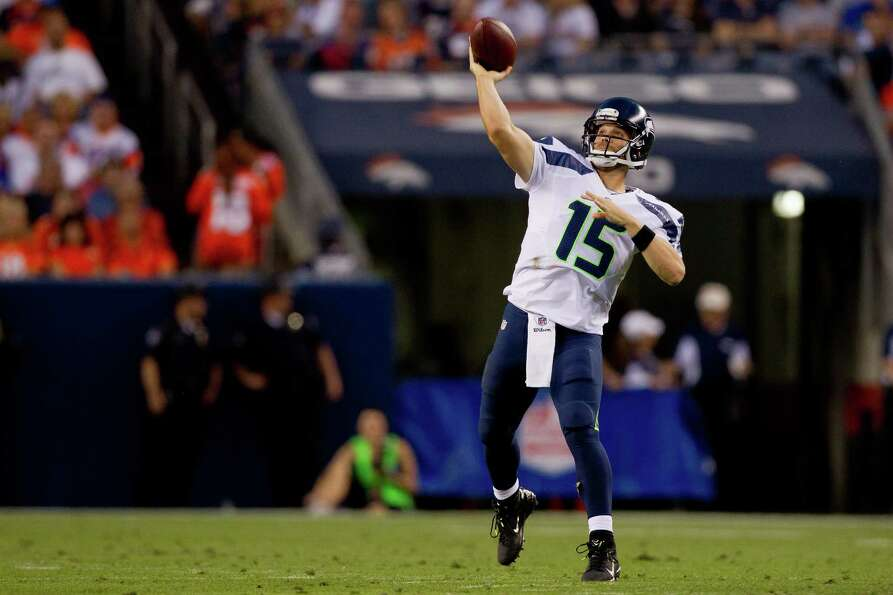 Quarterback Matt Flynn #15 of the Seattle Seahawks throws a pass during the second quarter against t