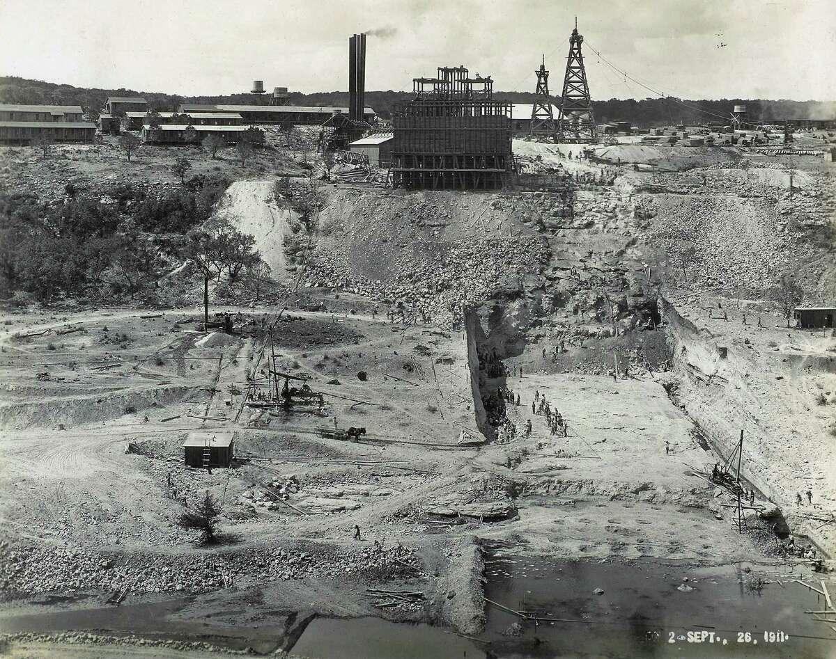 Historic photos of the medina lake dam Sept.26, 1911 Courtesy photo/ Medina Lake Preservation Society