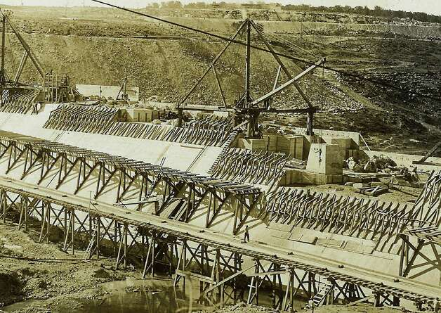 Historic photos of the medina lake dam, Main dam closeup of interlocking concrete. 5-28-1912  COURTESY/ Medina Lake Preservation Society