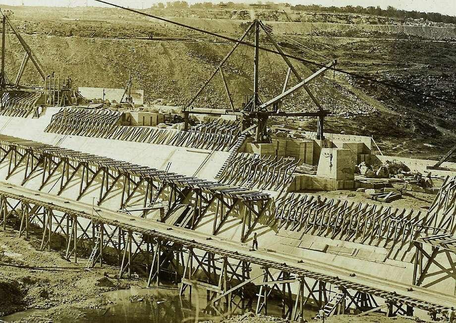 Historic photos of the medina lake dam, Main dam closeup of interlocking concrete. 5-28-1912  COURTESY/ Medina Lake Preservation Society