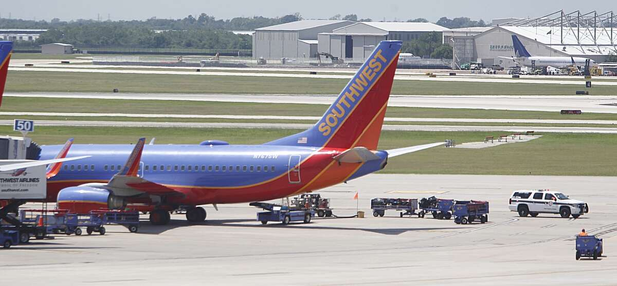 Authorities investigated a bomb threat Monday on a Southwest Airlines plane traveling from El Paso to Hobby.