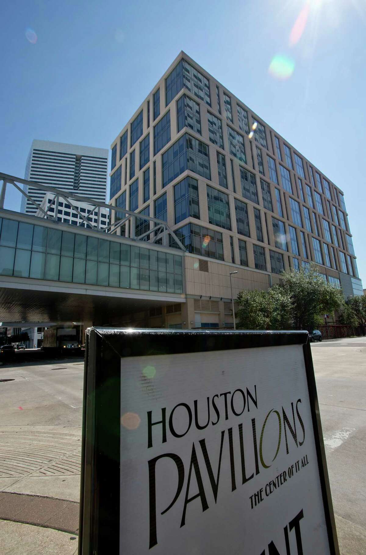8/20/12 : Midway Cos., developer of CityCentre on the west side, is expected to announce the acquisition of the Houston Pavilions.