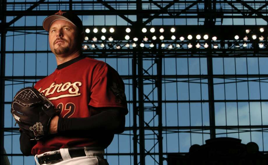 Roger Clemens came out to retirement to sign a one-year contract with the Houston Astros on January 12, 2004. (Karen Warren / Houston Chronicle)