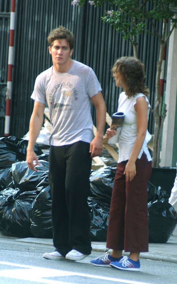 No one, not even Jake Gyllenhaal and Natalie Portman, looks good standing in front of some trash bags in pajama-like clothes. They're pictured in 2002 in New York City. (Getty Images)