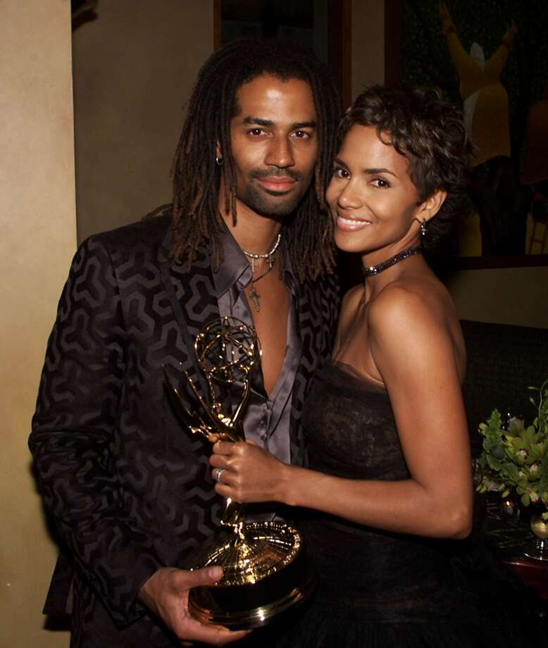 Eric Benet and Halle Berry in 2000.  (Getty Images)