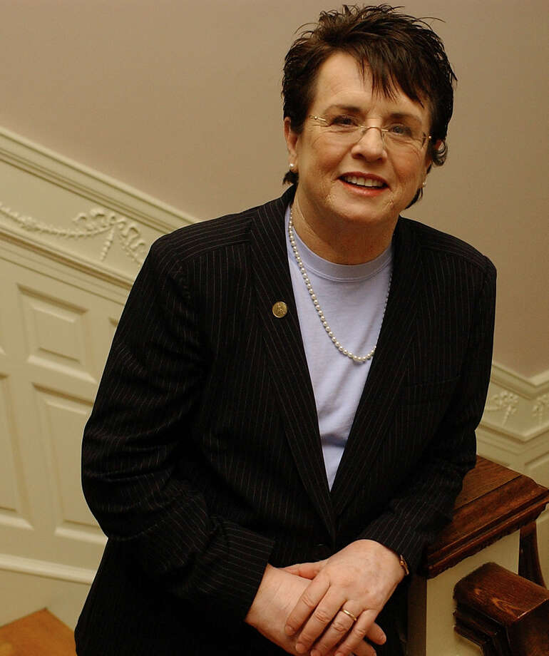 A reader recalls the glass ceiling-breaking contributions by tennis great Billie Jean King. He says King began the modern-day drive to create opportunities for women in sports. Photo: Express-News File Photo / SAN ANTONIO EXPRESS-NEWS