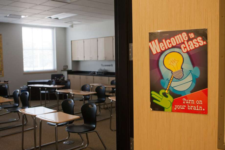 Classroom at Episcopal High School's new Jack Trotter Academic and Science Building. (I liked the sign.  More people should try it.)  Photo by R. Clayton McKee Photo: R. Clayton McKee / © R. Clayton McKee