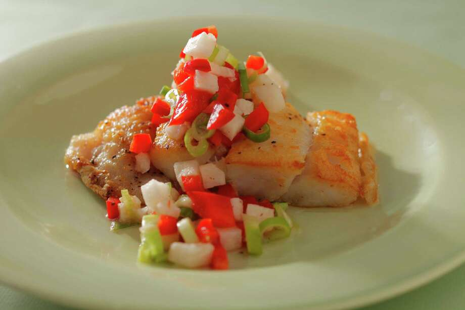 Pan-Seared Snapper with Red Pepper, Jicama & Green Onion Salsa Photo: Craig Lee / ONLINE_YES