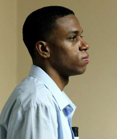 Testimony began in the 290th state District courtroom Monday for the death penalty trial of Lorenzo Leroy Thompson, 23, who is accused of having mugged Airman Vanessa Marie Pitts, 25, at a West Side gas station in April 2010. Authorities said Pitts chased after her purse and jumped on Thompson's truck as he sped away. She was later thrown from the vehicle and died. Monday, August 20, 2012. Photo: BOB OWEN, San Antonio Express-News / © 2012 San Antonio Express-News