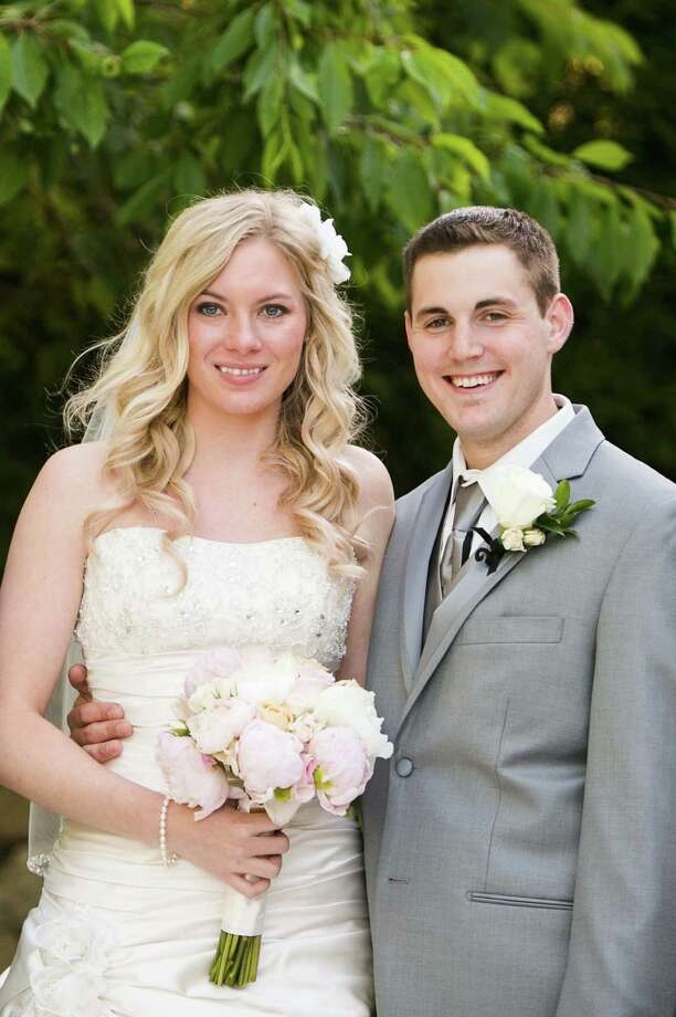 Kristen Leigh Faust; Charles William Sterling Jr. Photo: Jennifer Alviti, News Times Contributed / News Times contributed
