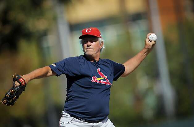 Bill Lee, pitching batting practice in San Rafael, will start a game for the Pacifics on Thursday. Photo: Carlos Avila Gonzalez, The Chronicle
