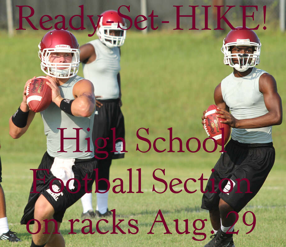 """The Jasper Bulldogs prepare for the upcoming season during """"two a days"""" practice. Photo: Jimmy Galvan"""