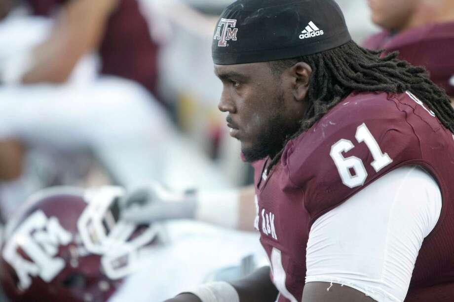 Texas A&M center Patrick Lewis has been pushed by coach Kevin Sumlin to get to the line as quickly as possible. Photo: Nick De La Torre, Houston Chronicle / © 2011 Houston Chronicle