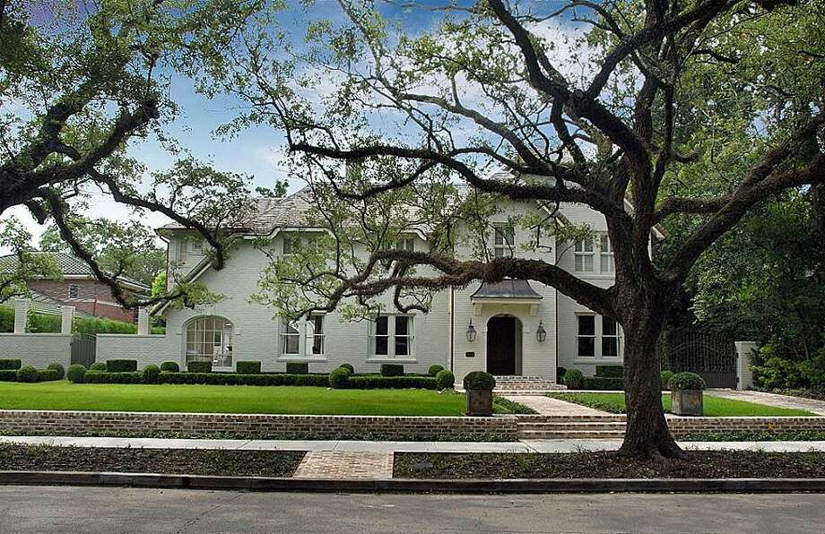 77006, Example 2: 1611 South Blvd. No detail was spared in the renovation of this 1925 house on tree-lined South Blvd. near Rice University. It's on the market for $5.9 million and contains 6,451 square feet. (Houston Association of Realtors)
