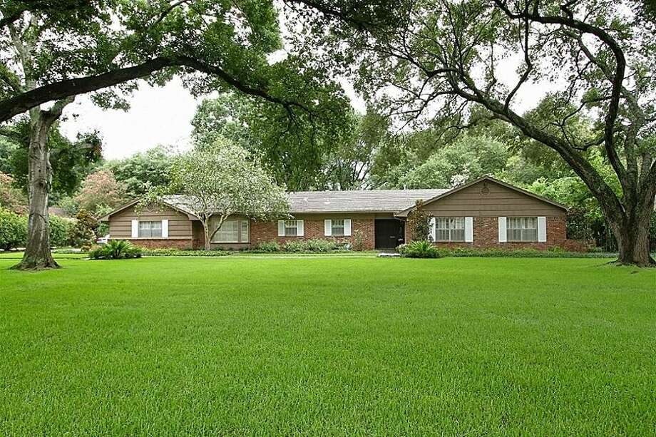 77401, Example 2: 4807 Maple. This Bellaire house on nearly 1.4 acres is listed for $1,395,000. It contains 2,411 square feet.