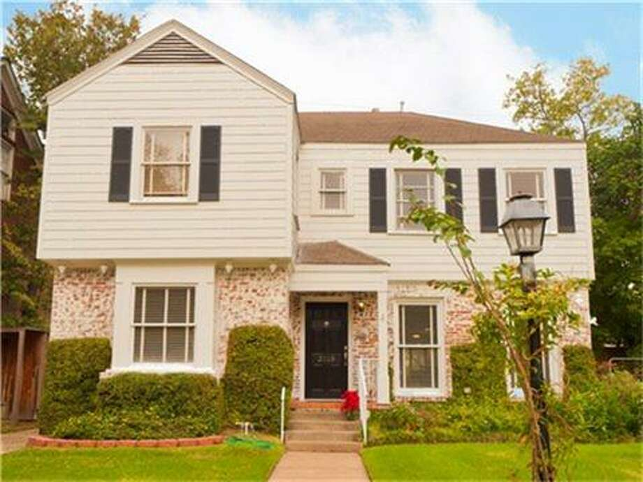 No. 6: 77098  Median price per square foot in 2011: $225  Neighborhoods: Winlow Place, Chevy Chase, Alabama Place, Upper Kirby  Example 1: 2018 Banks. The price on this 3-bedroom house near the Museum District is $599,000 or $280 per square foot. (Houston Association of Realtors)