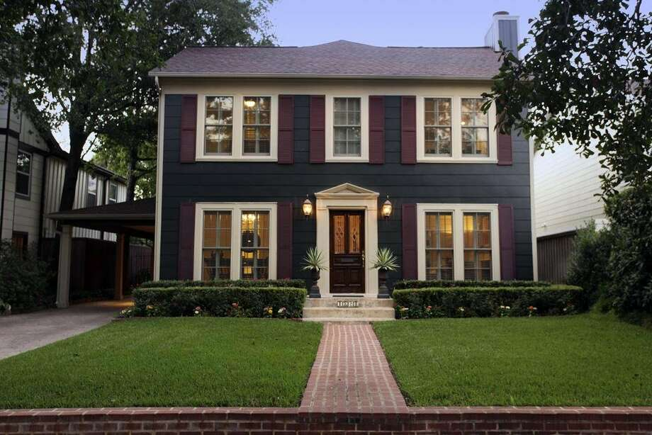 77098, Example 2: 1820 Milford. This 3- to 4-bedroom home is listed for $775,000. (Houston Association of Realtors)