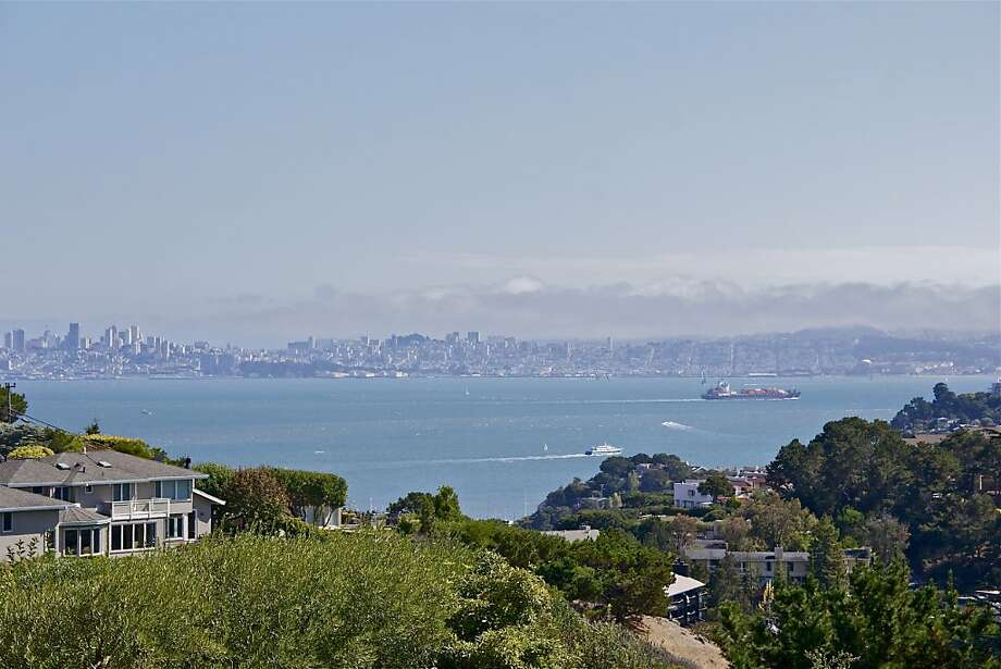 The home boasts a panoramic view of the San Francisco Bay. Photo: Karin Larson