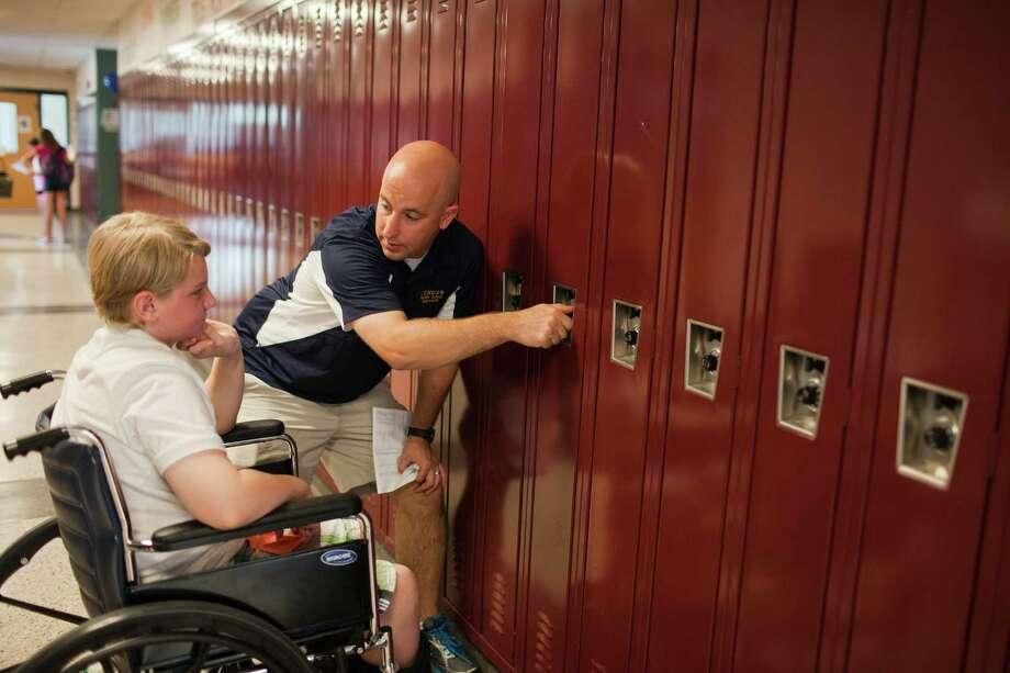 how to open a school locker