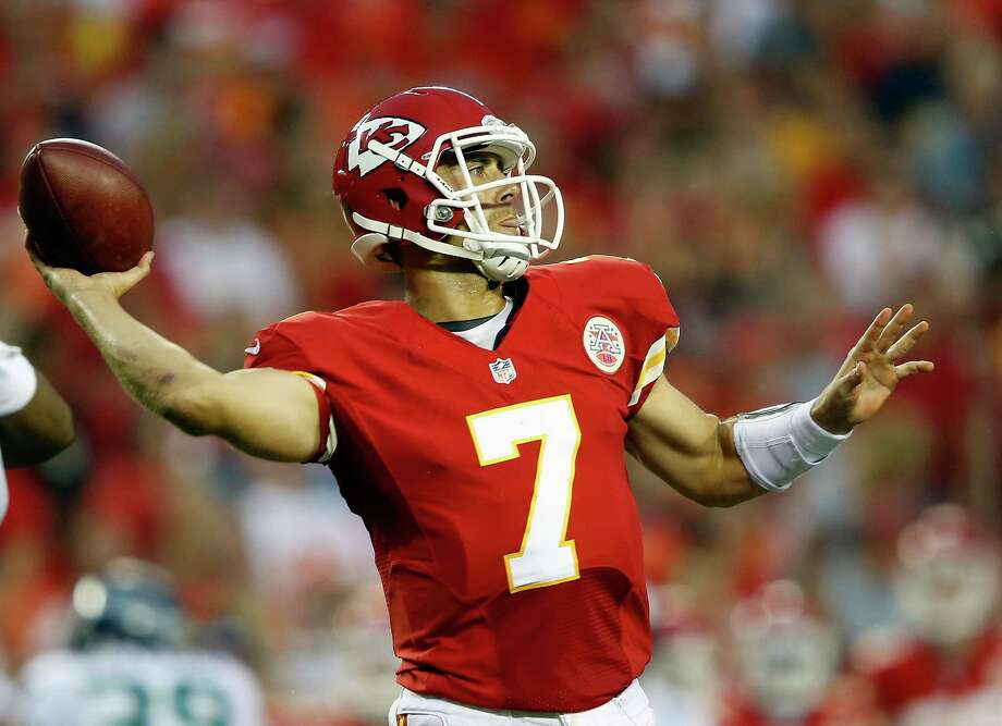 KANSAS CITY, MO - AUGUST 24:  Quarterback  Matt Cassel #7 of the Kansas City Chiefs passes during the NFL preseason game against the Seattle Seahawks at Arrowhead Stadium on August 24, 2012 in Kansas City, Missouri. Photo: Jamie Squire, Getty Images / 2012 Getty Images