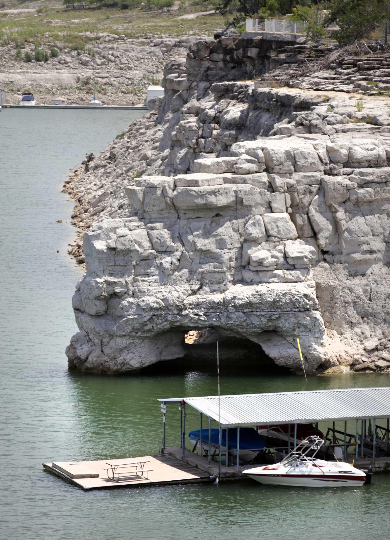 Residents On Edge As Medina Lake Evaporates San Antonio