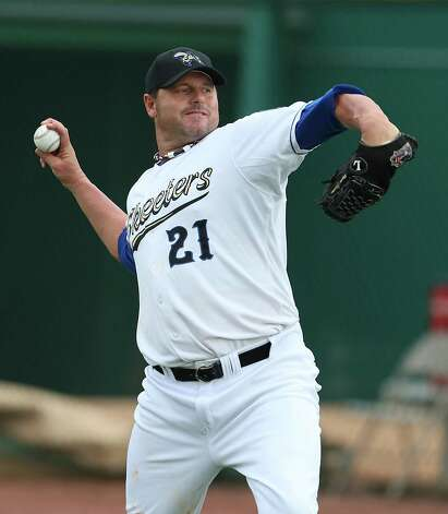 Roger Clemens warms up before the start of the Sugar Land Skeeters baseball game against Bridgeport at Constellation Field, Sunday, Aug. 26, 2012, in Sugar Land, where Roger Clemens was set to take the mound. Photo: Karen Warren, Houston Chronicle / © 2012  Houston Chronicle