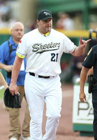 Roger Clemens walks to the dugout before the start of the Sugar Land Skeeters baseball game against Bridgeport at Constellation Field, Sunday, Aug. 26, 2012, in Sugar Land, where Roger Clemens was set to take the mound. Photo: Karen Warren, Houston Chronicle / © 2012  Houston Chronicle