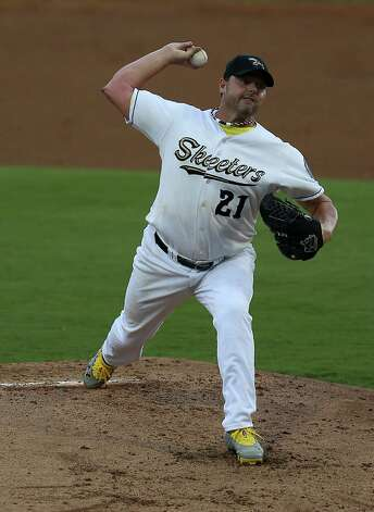Roger Clemens pitches in the second inning of the Sugar Land Skeeters baseball game against Bridgeport at Constellation Field, Sunday, Aug. 26, 2012, in Sugar Land, where Roger Clemens was set to take the mound. Photo: Karen Warren, Houston Chronicle / © 2012  Houston Chronicle