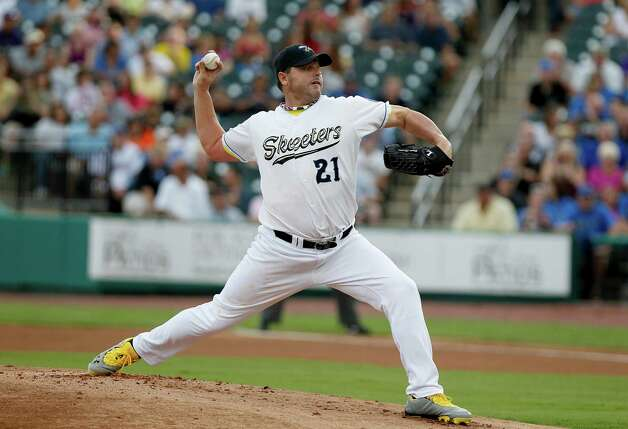 SUGAR LAND, TX- AUGUST 25:  Roger Clemens #21 of the Sugar Land Skeeters pitches in the first inning against the Camden Riversharks on August 25, 2012 at Constellation Field in Sugar Land, Texas. (Photo by Thomas B. Shea/Getty Images) Photo: Thomas B. Shea, Getty Images / 2012 Getty Images