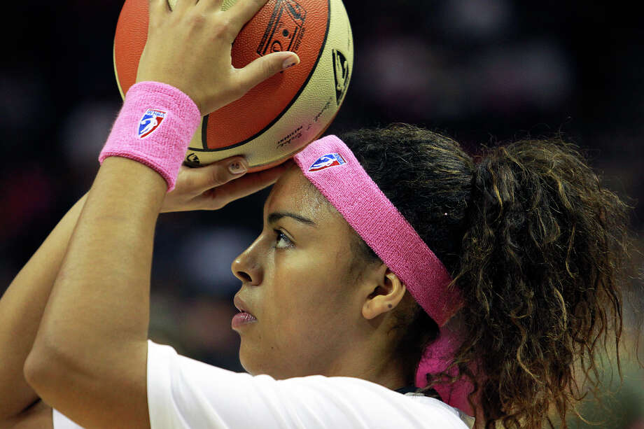 Ziomara Morrison warms up as the Silver Stars host the Tulsa Shock at the AT&T Center on August 25, 2012. Photo: Tom Reel, Express-News / ©2012 San Antono Express-News