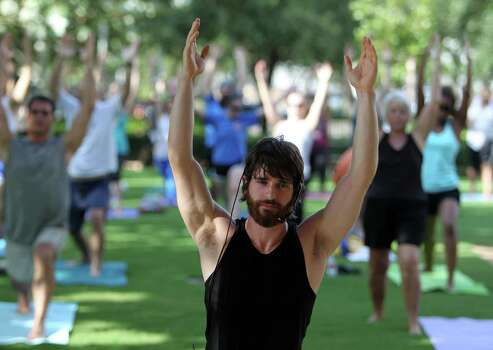 Saturdays through Nov. 15Blissful Warrior YogaUnwind while strengthening your body (and spirit) in downtown Houston's outdoor park. 9 a.m.-10a.m.; FREE; discoverygreen.com/1086957 Photo: James Nielsen, Chronicle / © Houston Chronicle 2012