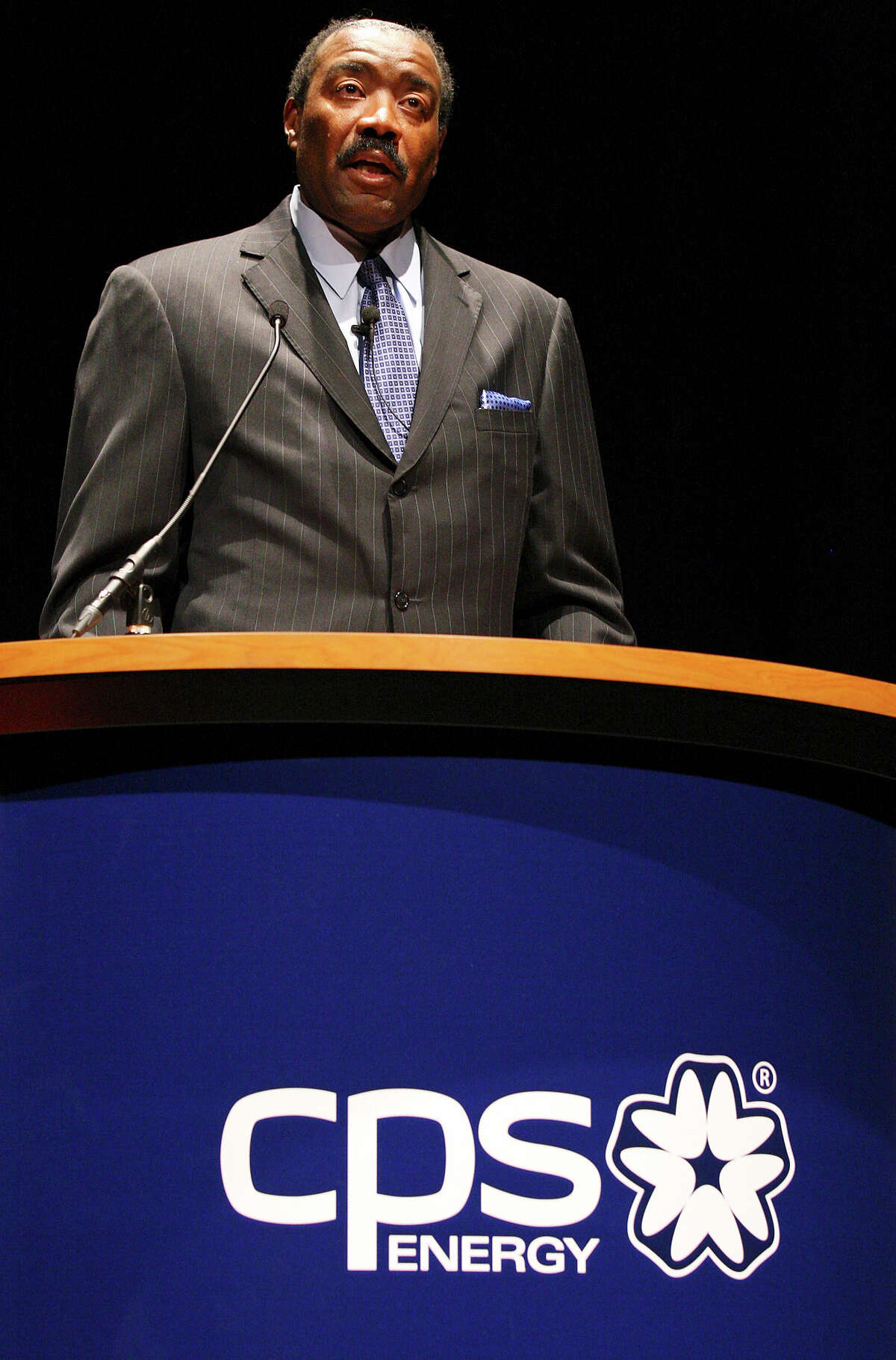 CPS Energy boss Doyle Beneby gets $1 for every $7 to $9 pulled in by his private counterparts.
