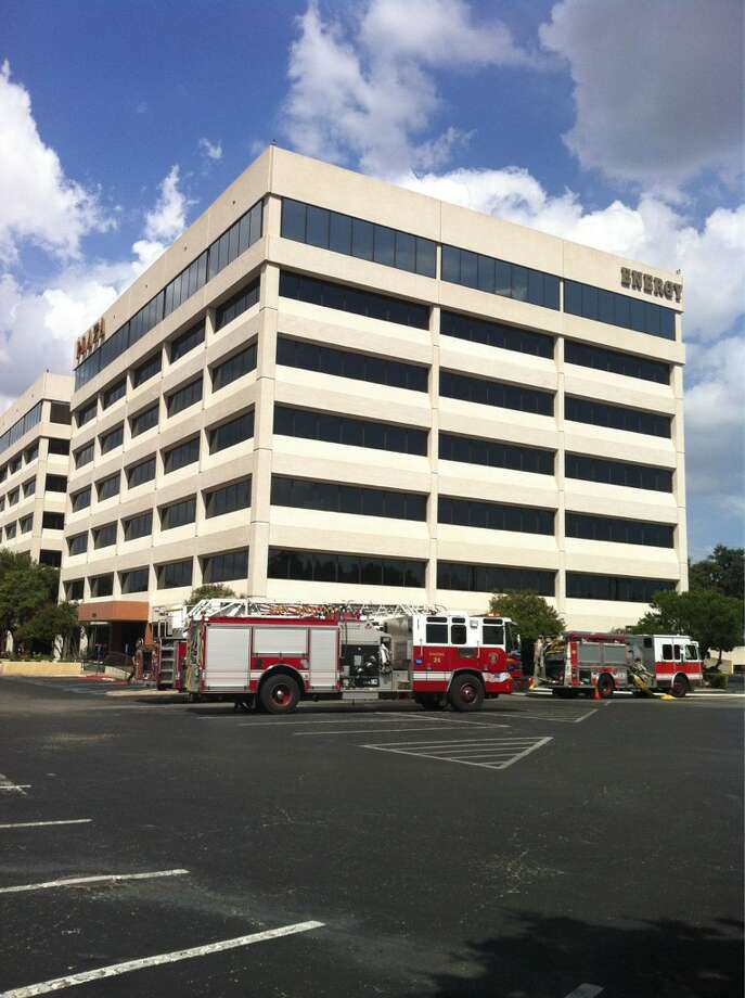A fire on an elevator motor caused the evacuation of a handful of employees working in twin office buildings on the North Side Sunday afternoon, Aug. 26, 2012. Photo: Eva Ruth Moravec, San Antonio Express-News