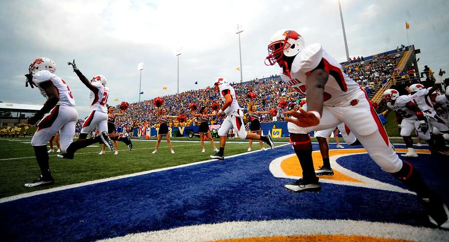 Lamar opens the season Saturday at Louisiana-Lafayette, which expects a crowd of roughly 30,000. That will be the largest crowd for a Lamar game since 19,235 attended the 2010 season opener at McNeese State. Tammy McKinley/The Enterprise Photo: TAMMY MCKINLEY / Beaumont