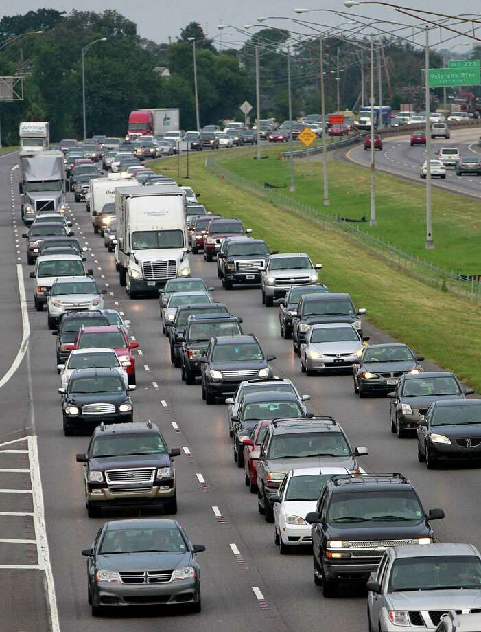 A line of traffic extends down Interstate 10 heading toward Baton Rouge, as many residents leave the New Orleans area in anticipation of Tropical Storm Isaac on Monday. Photo: Gerald Herbert, Associated Press / AP