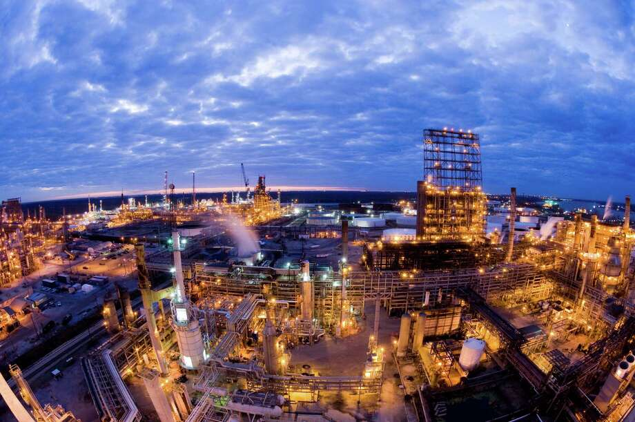 Valero Energy Corp. on Monday was shutting down its 270,000-barrel-a-day St. Charles refinery, west of New Orleans, above. It was stopping refining at its 140,000-barrel-a-day Meraux refinery southeast of the city.