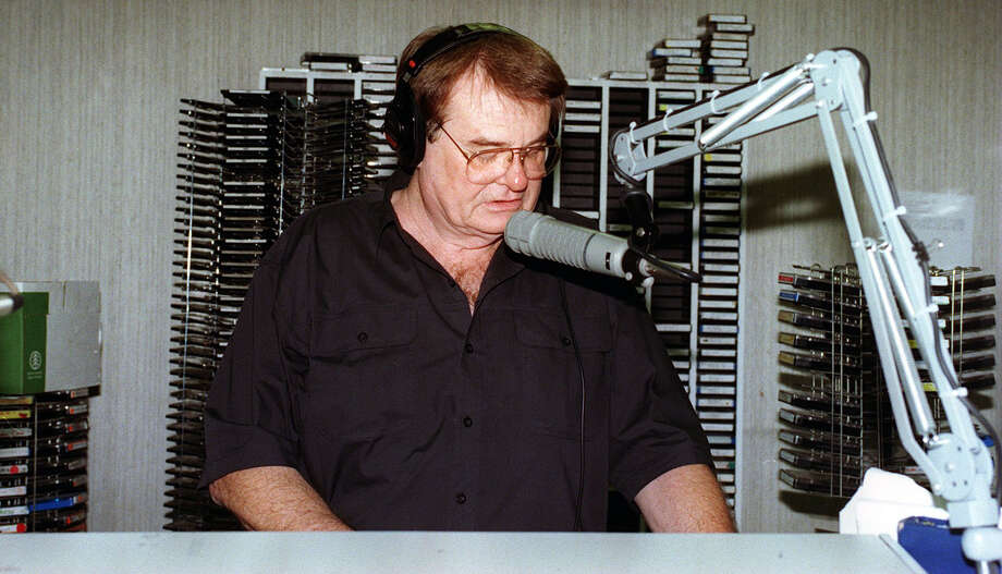 Bruce Hathaway 8/12/97 At KONO Station.photo by charles barksdale Photo: CHARLES BARKSDALE, EXPRESS-NEWS FILE PHOTO / SAN ANTONIO EXPRESS-NEWS