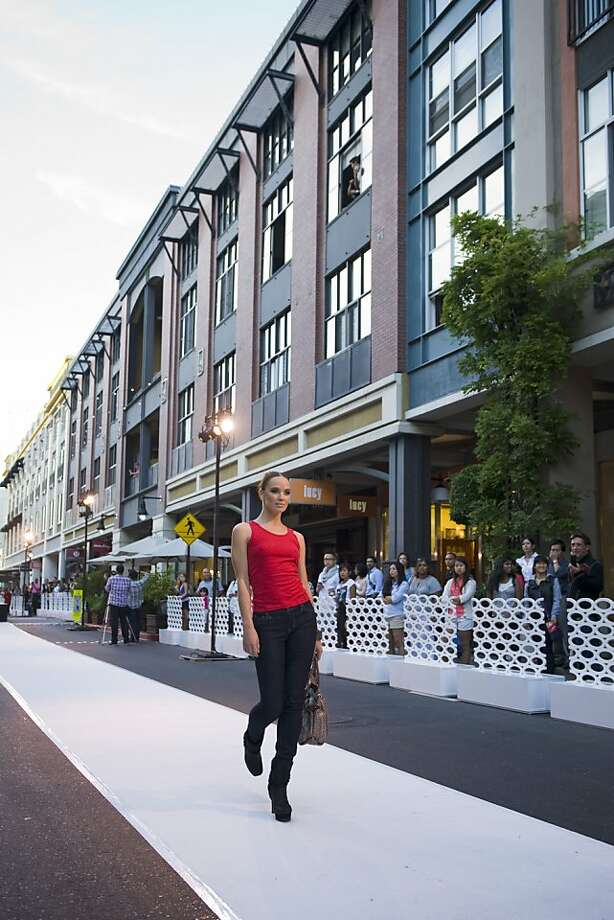 Santana Row plans to gave seven pop-up runway shows. Photo: Santana Row
