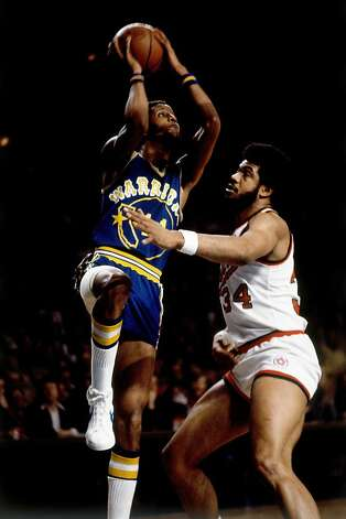 MILWAUKEE - 1976:  Jamaal Wilkes #41 of the Golden State Warriors goes up for a shot against the Milwaukee Bucks during the 1976 season at the MECCA Arena in Milwaukee, Wisconsin. NOTE TO USER: User expressly acknowledges that, by downloading and or using this photograph, User is consenting to the terms and conditions of the Getty Images License agreement. Mandatory Copyright Notice: Copyright 1976 NBAE (Photo by Vernon Biever/NBAE via Getty Images) Photo: NBA Photo Library, NBAE/Getty Images