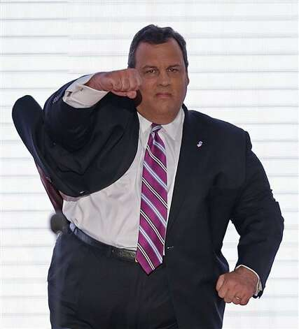 New Jersey Governor Chris Christie walks onto the stage at the Republican National Convention in Tampa, Fla. on Tuesday, Aug. 28, 2012.  (AP J. Scott Applewhite) (AP) / SA