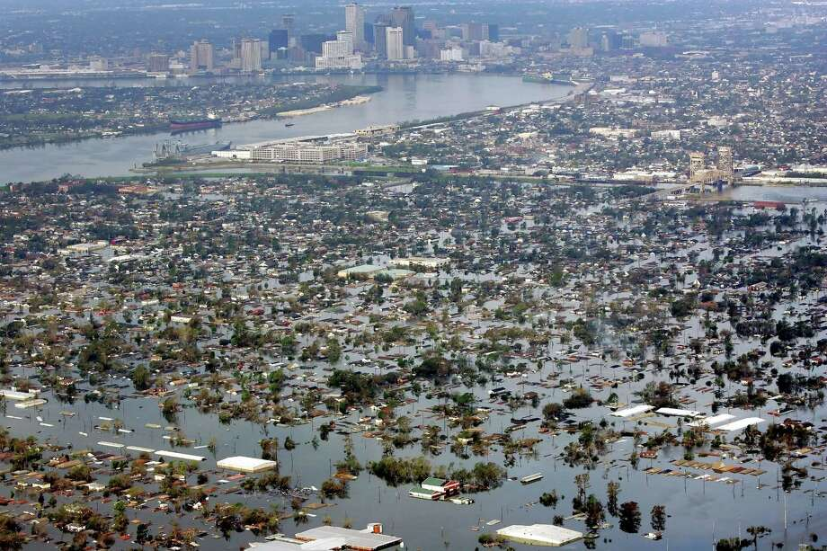 Floodwaters from Hurricane Katrina cover a portion of New Orleans, La., Tuesday, Aug. 30, 2005, a day after Katrina passed through the city. Photo: DAVID J. PHILLIP, AP / AP