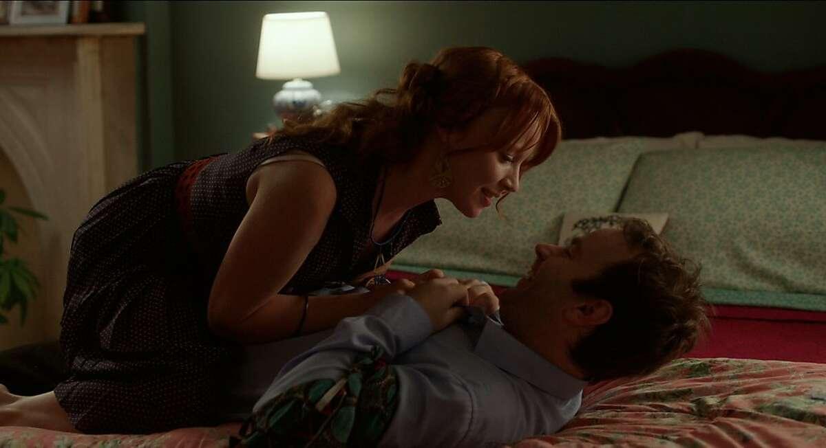 Mike Birbiglia as Matt Pandamiglio and Lauren Ambrose as Abby in Mike Birbiglia?•s SLEEPWALK WITH ME.