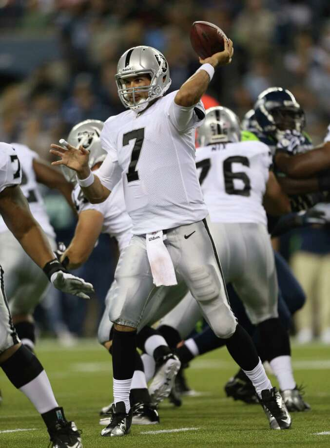 Quarterback Matt Leinart #7 of the Oakland Raiders passes against the Seattle Seahawks at CenturyLink Field on August 30, 2012 in Seattle, Washington. Photo: Otto Greule Jr, Getty Images / 2012 Getty Images