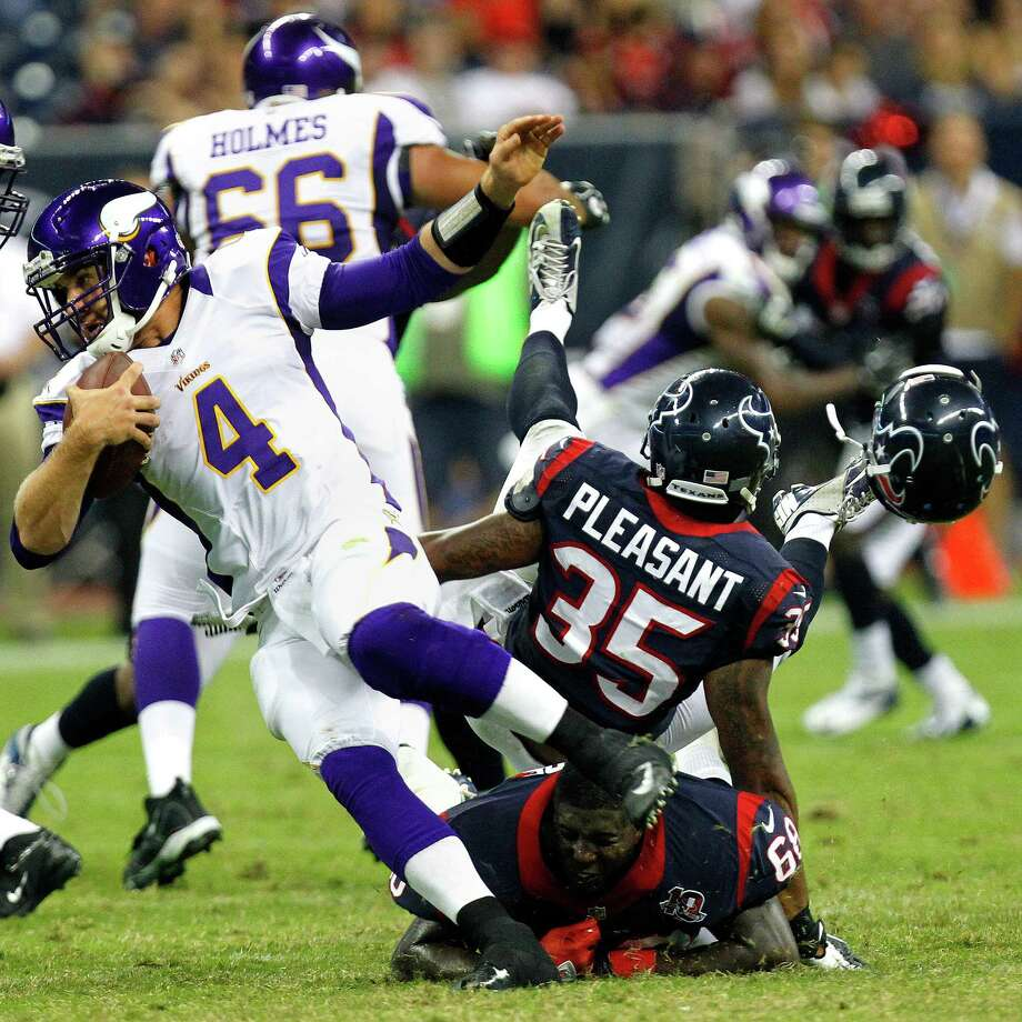 Who lost his head: Rennie Moore, Texans. Who did the headhunting: Minnesota Vikings. Photo: Cody Duty, Houston Chronicle / © 2011 Houston Chronicle