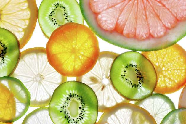 citrus,fotolia, appetizing, aroma, aromatic, citrus, cool, dainty, dessert, food, fruit, juice, mandarin, orange, product, recent, round, sappy, skin, snack, sweet, vitamin, sour, lemon, grapefruit, kiwi, cuts, gleams, laym, diet, vegetarian, C, exotic, tropic, lime Photo: Valentyn Volkov / volff - Fotolia